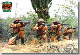 Combatentes de caatinga em plena atividade no sertão nordestino.